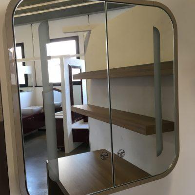 Specchio contenitore Ideal Standard
